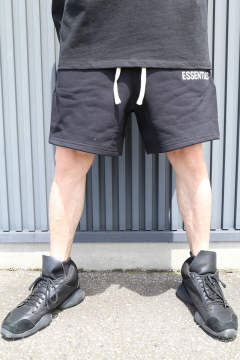 SWEAT SHORTS / ブラック