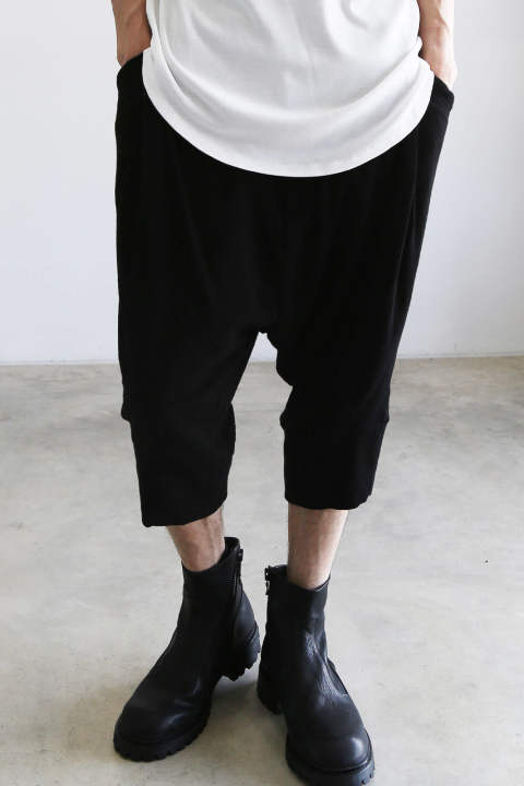 tucked crotch pants / ブラック