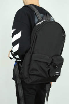 QUOTE BACKPACK / ブラック×ホワイト