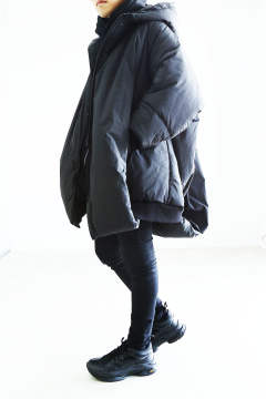 [NILoS] OVERTUCK PADDING HOODED COAT